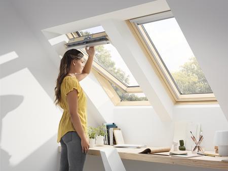 Drewniane okno dachowe Standard GZL MK06 1050 VELUX