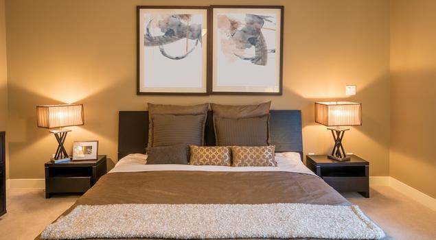 Klasyczna aranżacja sypialni i nowoczesne wyposażenie wnętrz